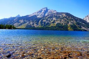 Eau Limpide au Lac Jenny