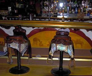 En selle, bar Million Dollars Comboy Bar , Jackson