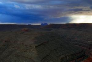 Gooseneck, c'est là bas Monument Valley