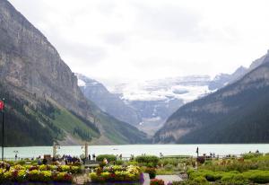 Hotel  Fairmont Lac Louise et son glacier 2