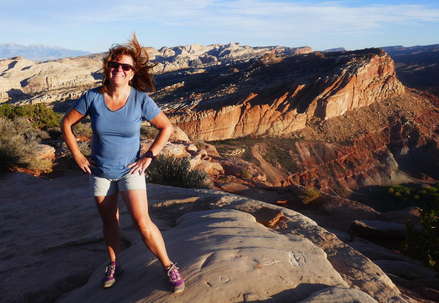 Le sommet navajo trail , cheveux au vent