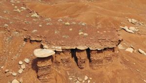 Roche sur colonne Monument Valley