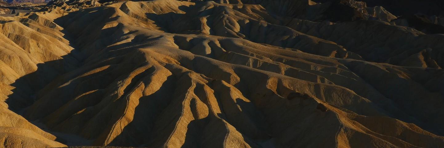 Dead valley zabriskie point au couchant